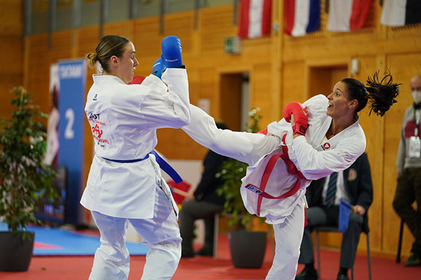 20210220 Lora Ziller vs Alisa Buchinger in Wels by Martin Kremser Karate Austria